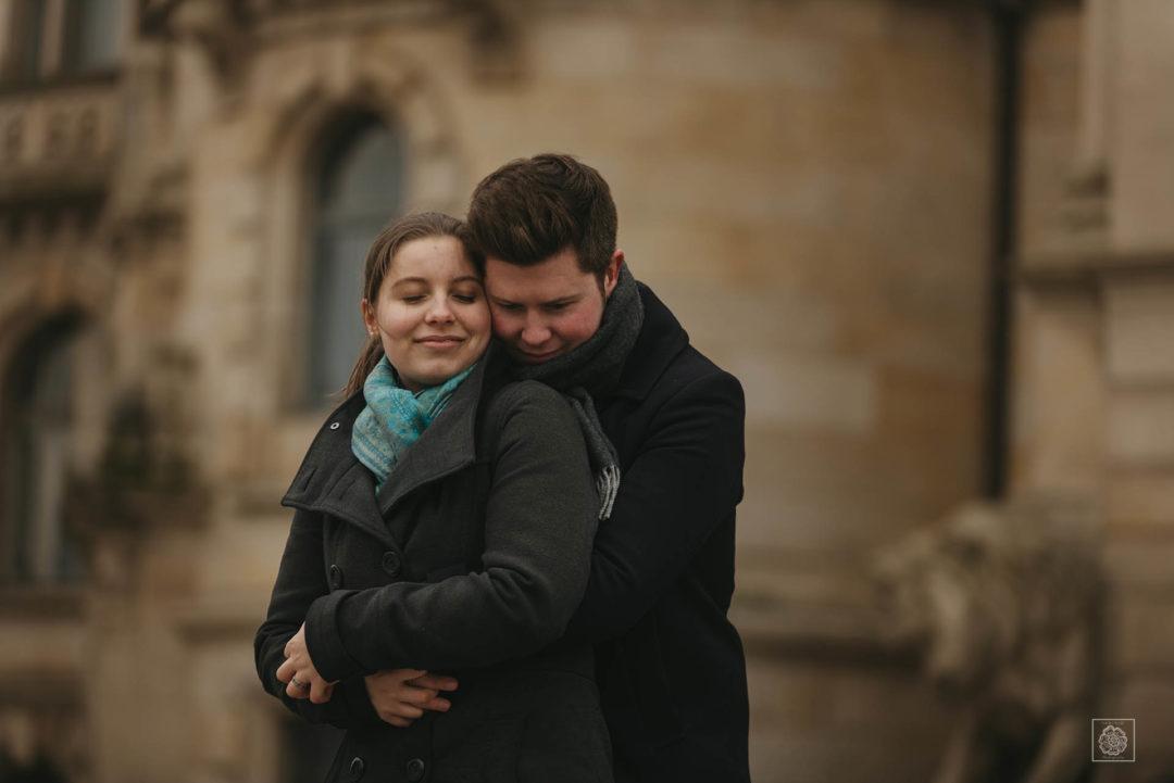 Verlobungsshooting im Neuen Rathaus in Hannover
