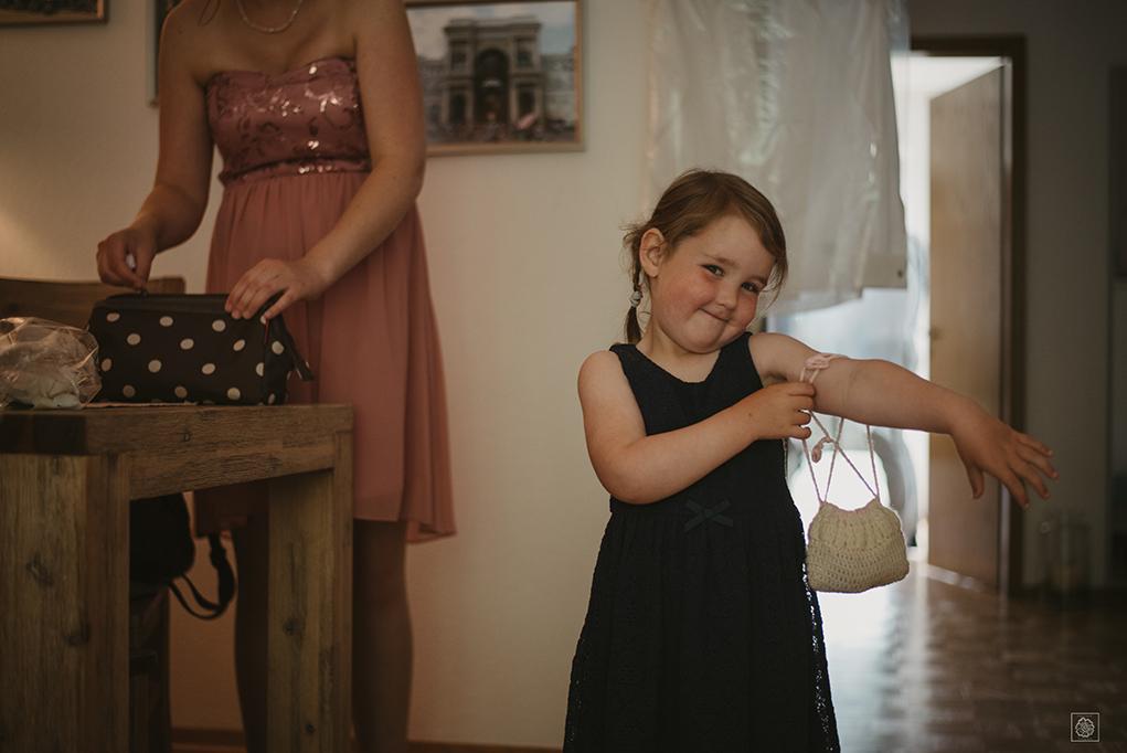 Flower girl at Hamburg wedding