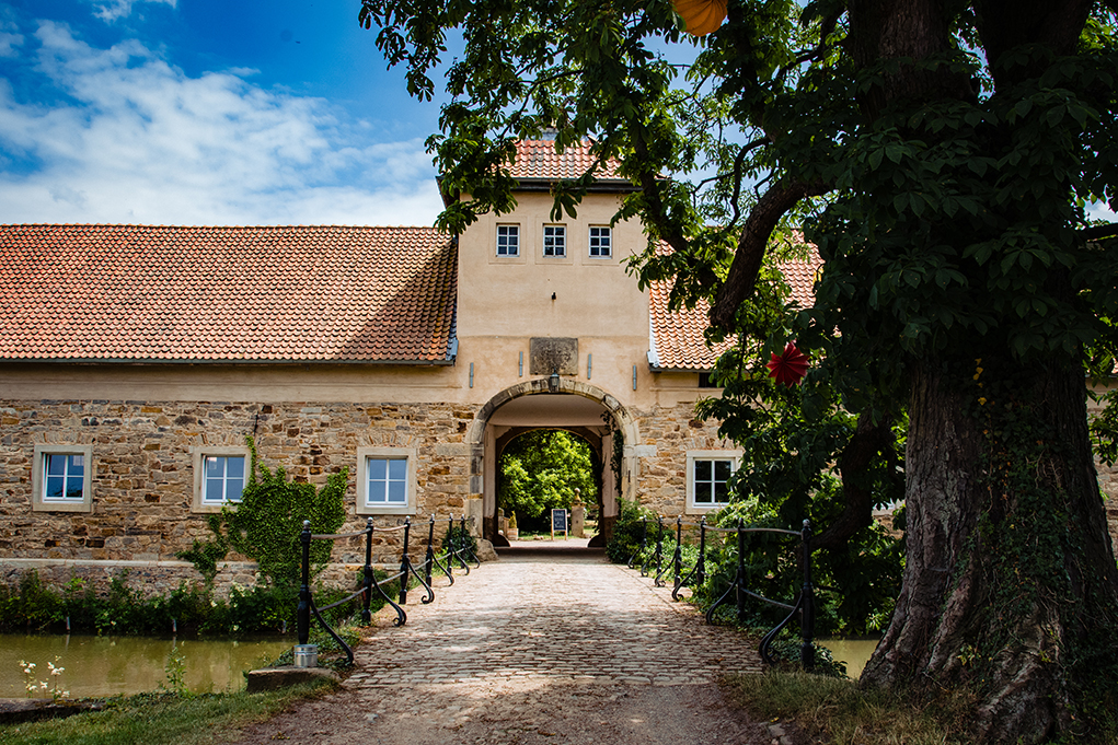 Destination Wedding at Rittergut Remeringhausen in Germany by DC Wedding Photographers Potok's World Photography
