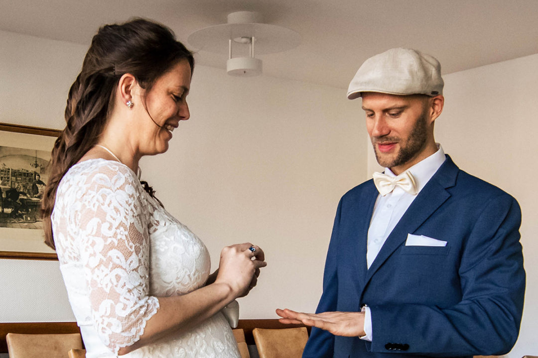 Courthouse wedding during Covid-19 in Gehrden Germany by DC wedding photographers of Potok's World Photography