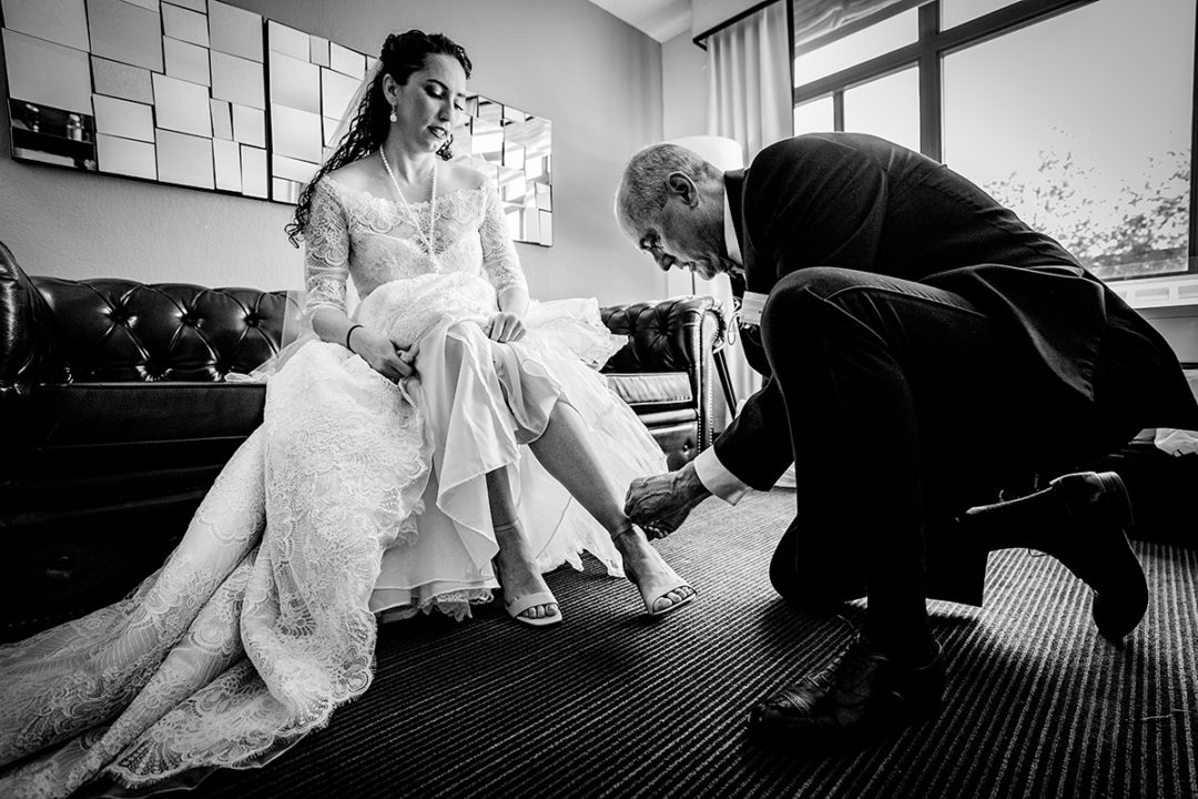 Moment between bride and her dad during getting ready at Capitol Hill Hotel in Washington DC by Potok's World Photography